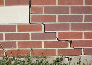 a foundation wall crack on a Yazoo City home.